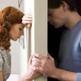 Šta po tebi nije prirodno u ljubavnoj vezi?